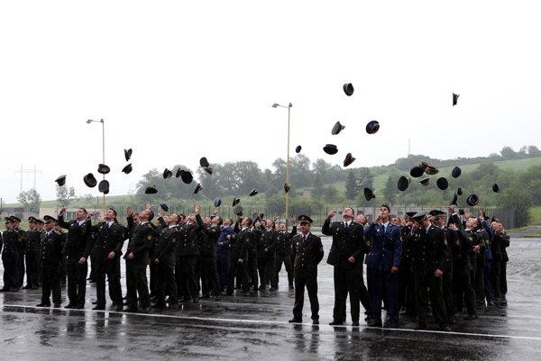 Slávnostný nástup pri príležitosti vyradenia kadetov a promócie absolventov denného bakalárskeho štúdia Akadémie ozbrojených síl generála Milana Rastislava Štefánika v Liptovskom Mikuláši.