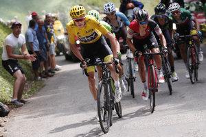 Brit Chris Froome si aj po deviatej etape udržal žlté tričko.