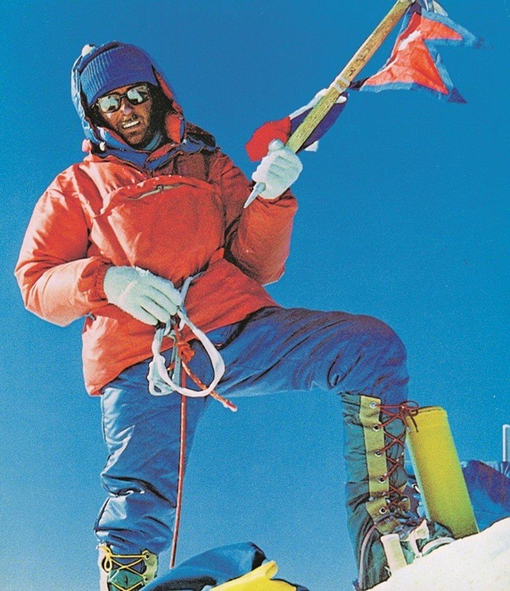 Milan Kriššák na vrchole Makalu v roku 1976.