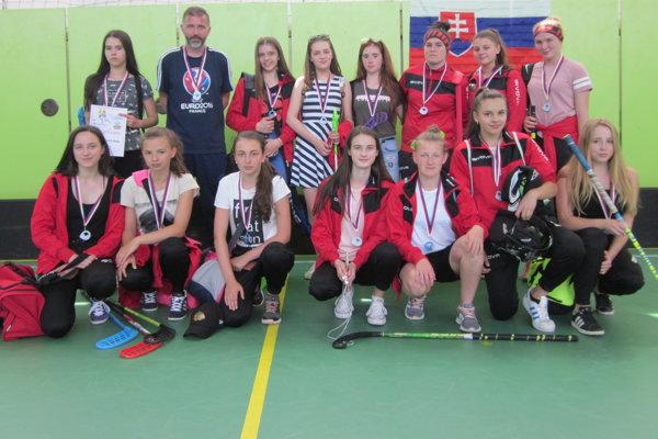 Florbalisti ŠK Belá dosiahli v uplynulej sezóne výborné výsledky.