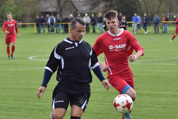 Najlepší strelec uplynulej sezóny 5. ligy Tomáš Michaliv (vľavo).