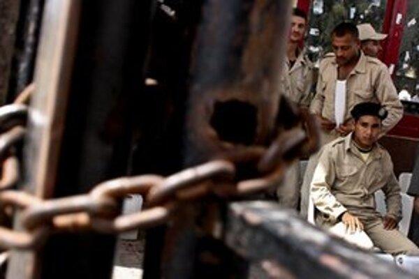 Egypt zablokoval hraničné prechody do Izraela a pásma Gazy.