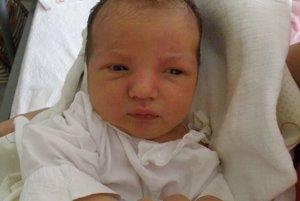 Erike Szárazovej a Juliánovi Kováčovi z Považskej Bystrice sa 8. júla narodil syn Nikolas (3530 g a 52 cm).