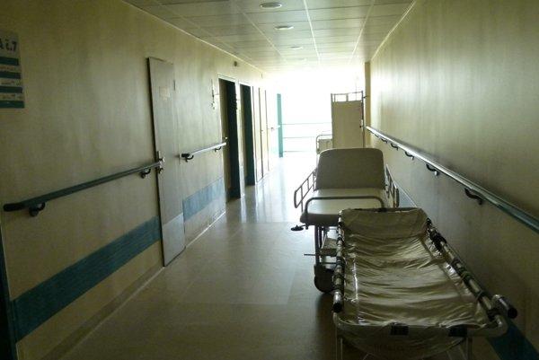 Nasledujúcich 20 rokov bude zdravotnú starostlivosť v levickej nemocnici zabezpečovať skupina AGEL.