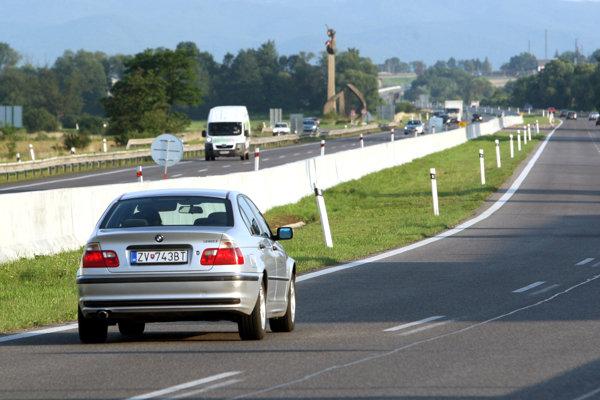 Úsek R1 Ružomberok, juh - križovatka I/18 je dlhý 2,73-kilometra.