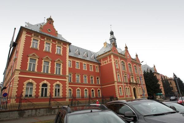 Budova Krajského súdu v Banskej Bystrici.