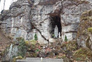 Jaskyňa v Trlenskej doline