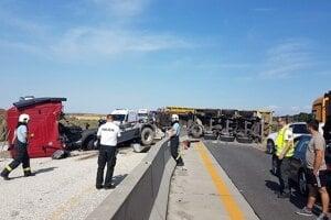 Nehoda na diaľnici D1 pri Triblavine.