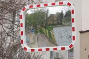 Dopravné zrkadlo by podľa miestnych vodičov pomohlo zvýšiť bezpečnosť na ceste.