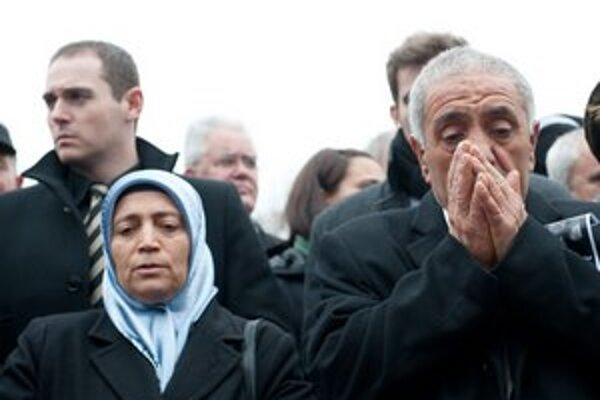 Rodičia jednej z obetí kebabových vrahov.