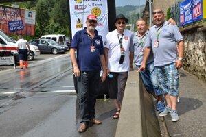 Prišli aj zástupcovia zpartnerského Šternbergu. Zvítali sa snimi aj moderátori podujatia.