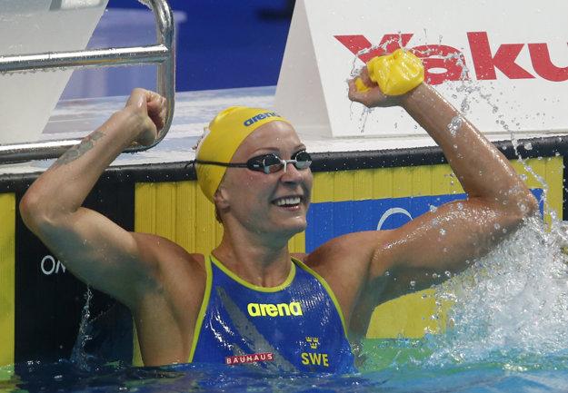 Svetová rekordérka na 100 m motýlik Švédka Sarah Sjöströmová potvrdila pozíciu favoritky.
