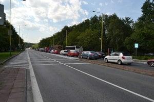 V Prešove pre práce na príjazdovej ceste na diaľnicu D1 vznikajú ďalšie kolóny.
