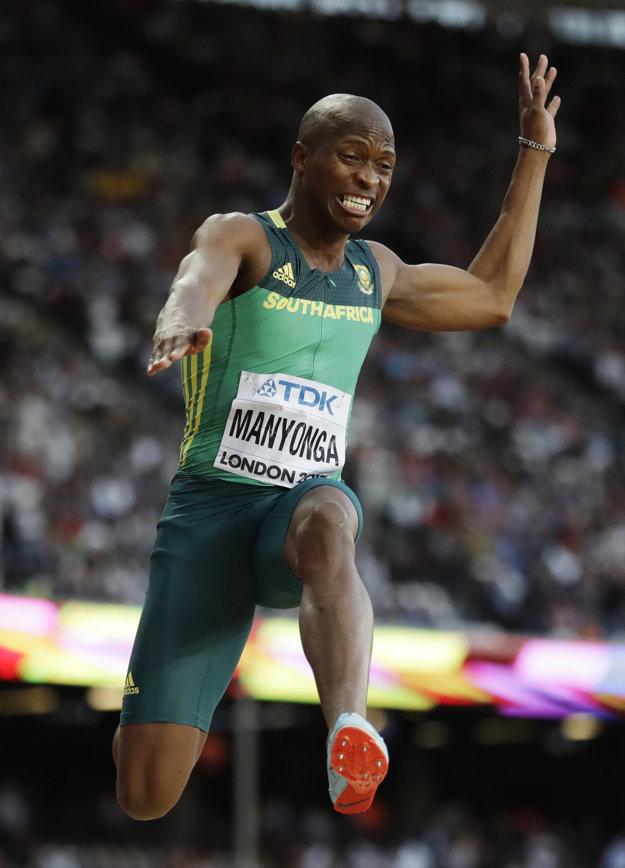 Luvo Manyonga ovládol súťaž diaľkarov aj na MS v Londýne 2017.