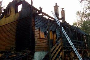 Požiar nemali členovia rodiny šancu prežiť.