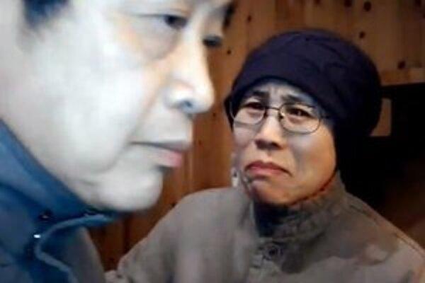 Liou Sia po nečakanej návšteve skupiny aktivistov v jej stráženom pekinskom byte.