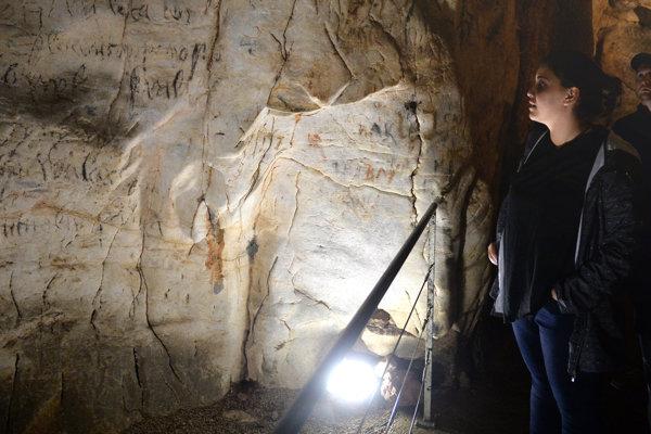Historický nápis v Jasovskej jaskyni.