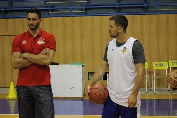 Na tréningu iba ako divák. Richard Körner (vľavo) sa potrebuje dať zdravotne dokopy.