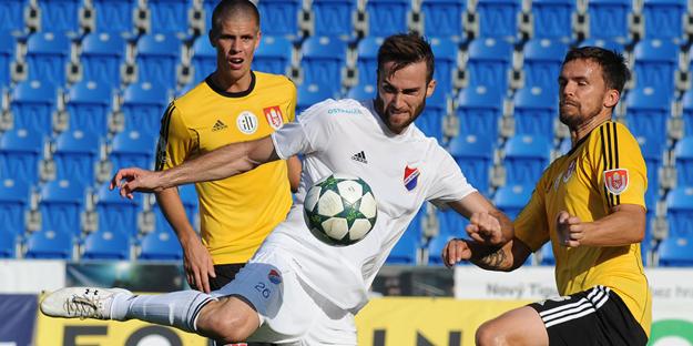 V drese Baníku Ostrava sa stretol s fanatickými priaznivcami klubu.