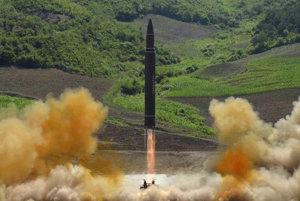 Štart medzikontinentálnej balistickej rakety Hwasong-14.