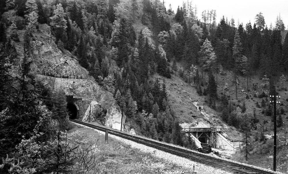 Stavba tunela na fotografii z roku 1969.