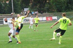 Futbalisti Serede vyhrali druhý zápas za sebou. Nováčikovi z Komárna nastrieľali šesť gólov!