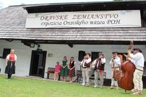 Slávnostné otvorenie zemianskej expozície.