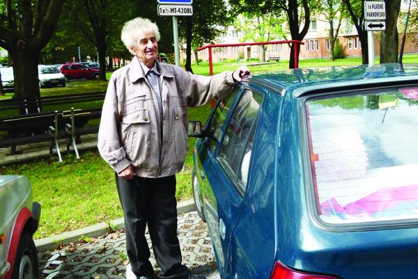 Na martinskej radnici začali prehodnocovať zvýhodnené parkovanie pre ŤZP, niektorí oň prišli.