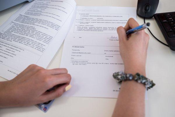 Začínajúcemu podnikateľovi zhruba do dvoch týždňov po založení živnosti príde list, v ktorom mu ponúkajú zápis do Slovenského registra firiem a živností.