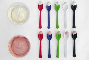 Desať lyžičiek a dva jogurty. Z ktorej by ste si dali?
