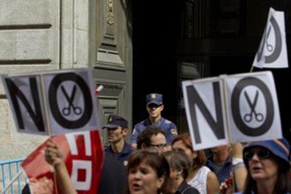 Španieli sa búria proti škrtom. Gordillov boj proti kapitalizmu je mnohým sympatický.