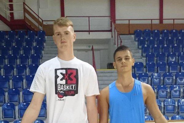 Adrián Smik (vľavo) a Patrik Sarna.