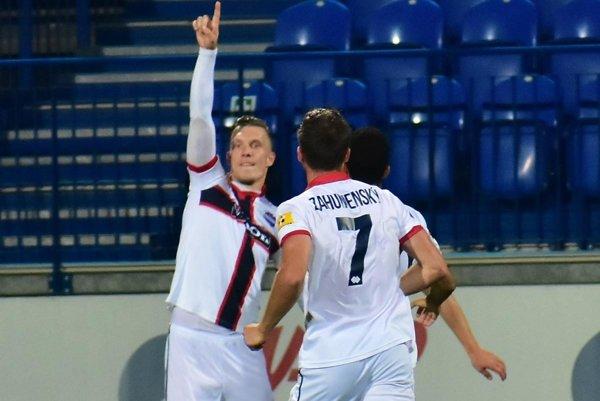 Karol Karlík premenil penaltu a tento gól rozhodol o výsledku v Senici.