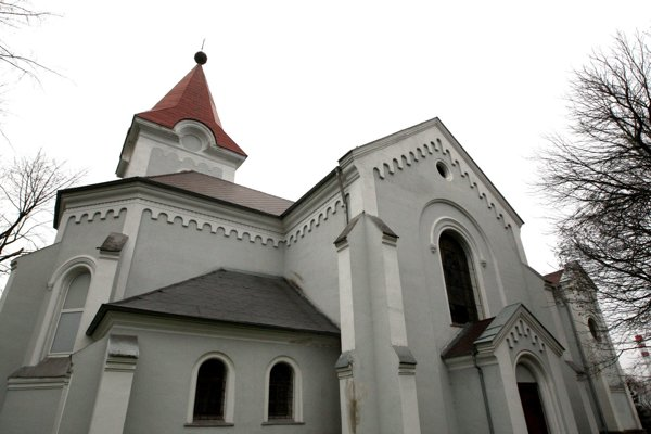 Kostol sv. Vavrinca - posledná pamiatka na zaniknutú obec.