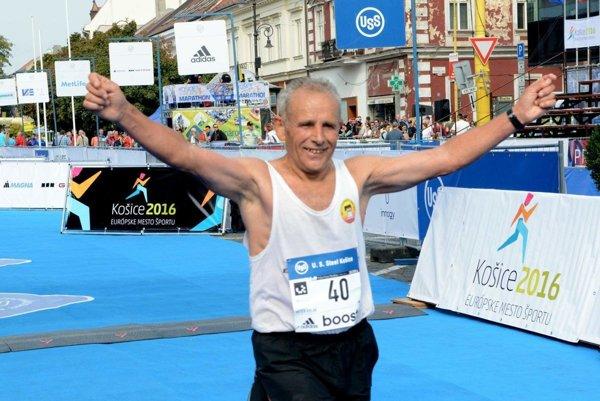 Legenda Peter Polák. Má najviac košických maratónov, teraz sa zabudol včas prihlásiť, a tak dostal výnimku.