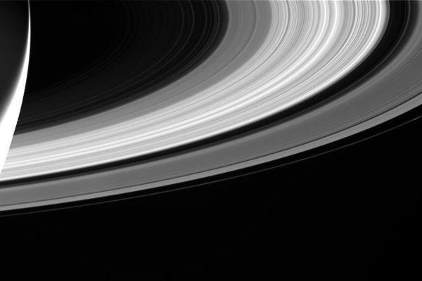 Prstence Saturnu.