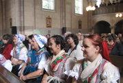 Súčasťou Stretnutia rodákov bola aj svätá omša.