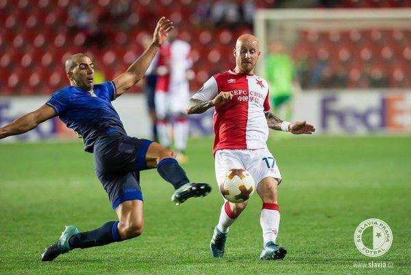 Slavia porazila Spartu 2:0, Miroslav Stoch prihrával na prvý gól. Snímka je zo zápasu Európskej ligy.