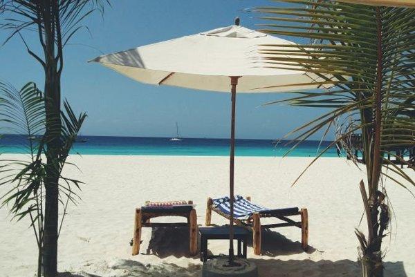 Lákavé pláže Zanzibaru.