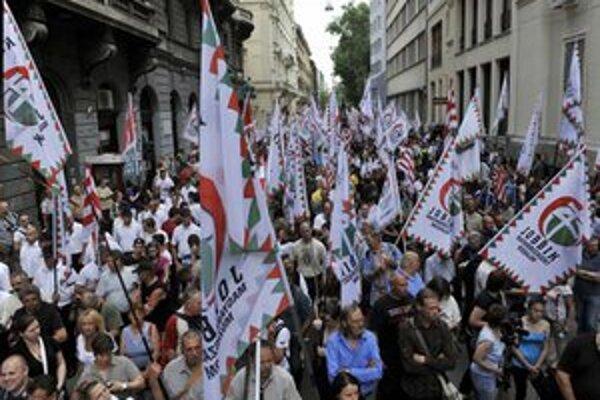 Protestný pochod ulicami Budapešti.