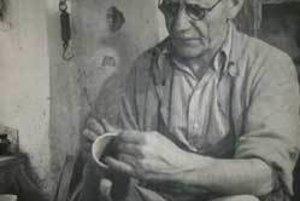 Ferdiš Kostka bol majster figurálnej keramiky.