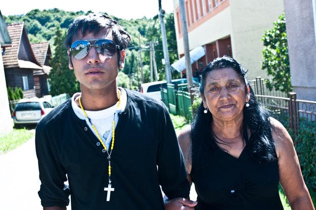 Ďoďo a jeho stará mama vo filme Ťažká duša.