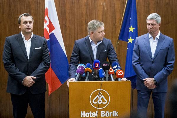 Lídri súčasnej koalície Andrej Danko (SNS), Robert Fico (Smer) a Béla Bugár (Most-Híd).