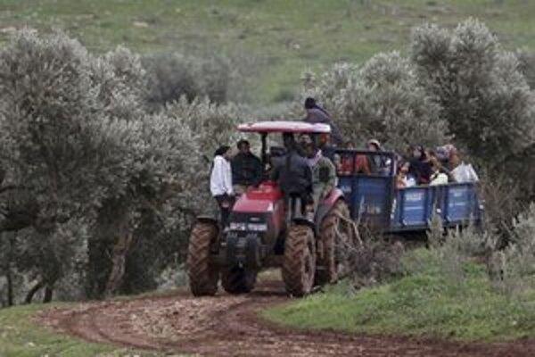 Do Turecka už utiekli tisícky Sýrčanov.
