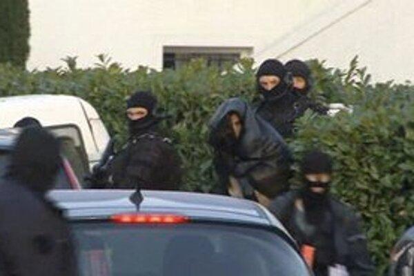 Zatknutie podozrivého v Nantes.