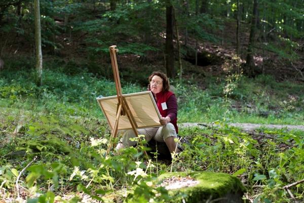 Účastníci maľovali priamo v prírode.