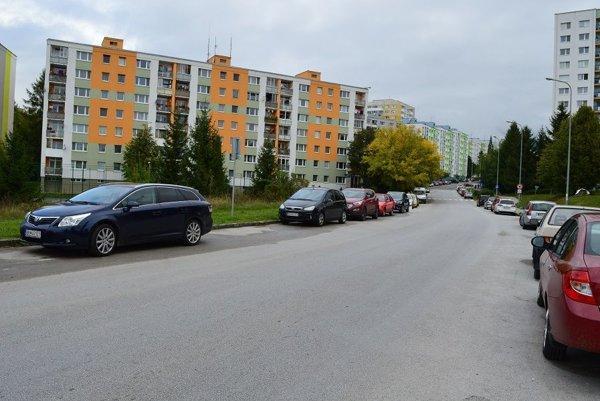 Novým riešením by malo pribudnúť niekoľko parkovacích miest.