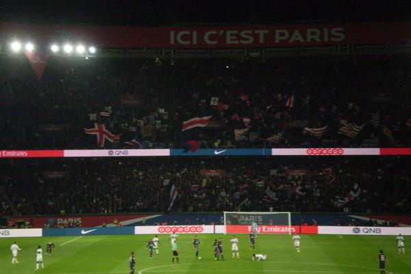 Záber zo stretnutia najvyššej francúzskej ligy PSG – Lyon, ktorý navštívila naša čitateľka.