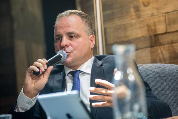 Kandidát na bratislavského župana a poslanec za SaS Juraj Droba v predvolebnej diskusii SME povedal, že apartmán od Kočnera nekúpil, hoci ho spoluvlastní.