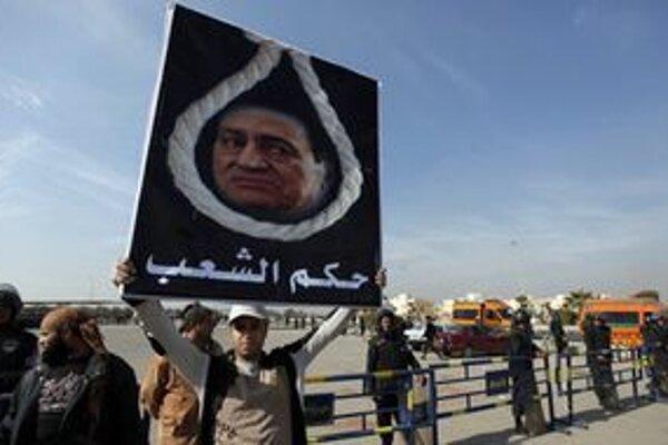 Prokuratúra žiada pre bývalého autokratického vládcu trest smrti.